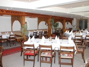 Основной Ресторан - Гранд Отель Мургавец****